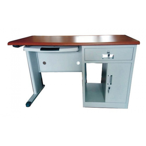 Exquisite Metal Office Table